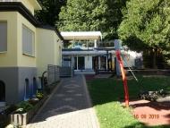 08-190810_Richtung-Haupthaus-Zugang